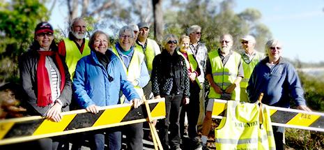 Shoal Bay Beach Preservation Committee volunteers