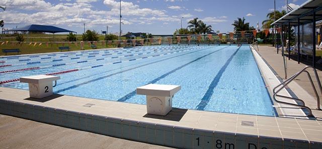 Lakeside pool image 3
